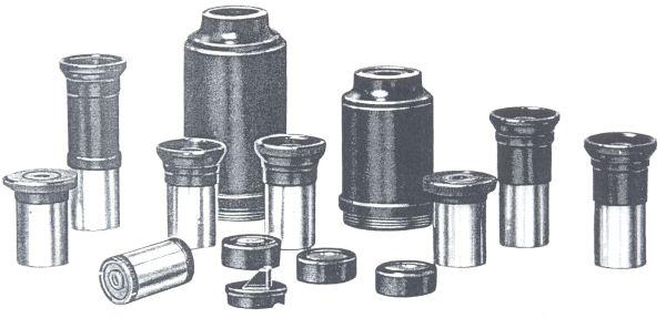 Obr. 8: sada okulárů a dalšího příslušenství (okulárový hranol, filtr a mikrometr)