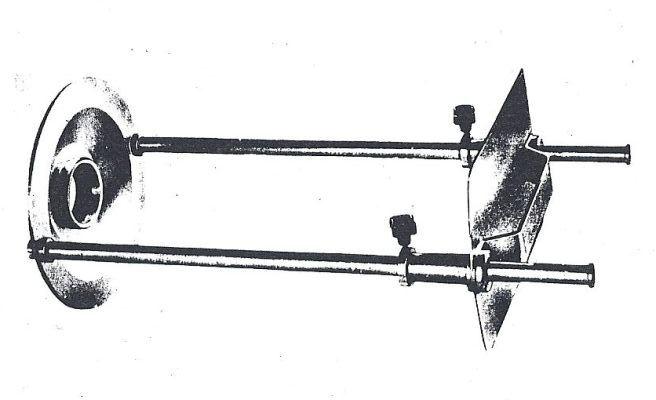 Obr 4: Historické zařízení pro promítání Slunce pro amatérské dalekohledy od firmy Zeiss.